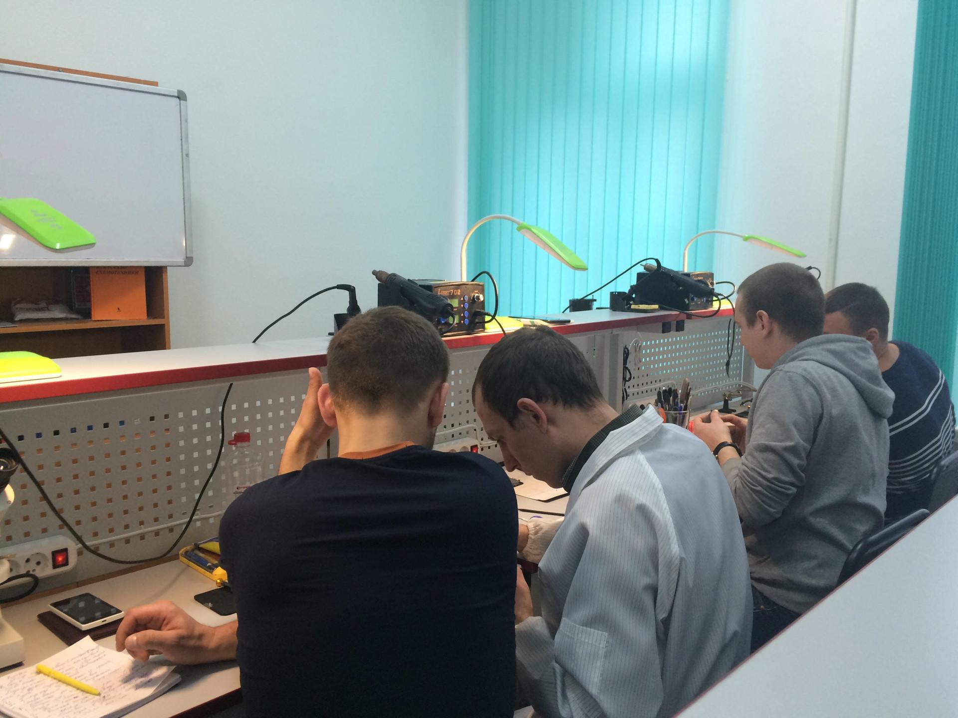 Курсы по изучению ремонта мобильного телефона - ремонт в Москве маркировка объективов сигма и тамрон - ремонт в Москве
